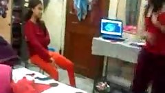 Indian Hostel S exy Girl Enjoy And Dirty Talk With Friend